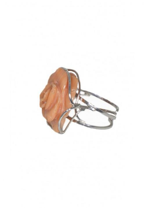 Anello in argento con corallo rosa salmone inciso a mano - COAN05
