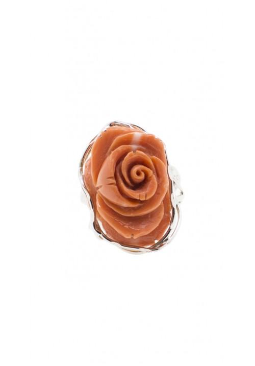 Anello in argento con rosa di corallo cerasuolo