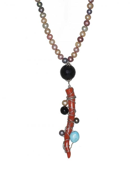 Collana in perle coltivate in acqua dolce multicolor e corno di corallo