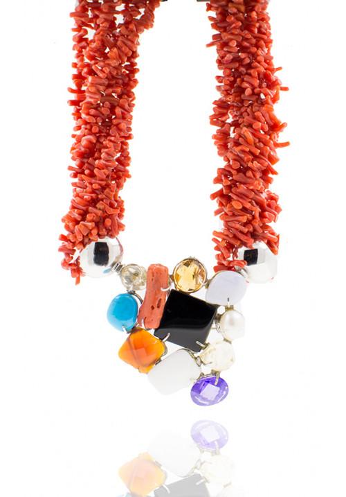 Collana in corallo rosso mediterraneo e argento con pietre