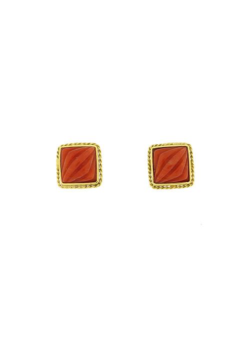 Orecchini corallo rosso al lobo con oro 18 kt lavorato